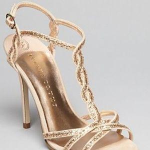 Gold heel Ivamka Trump